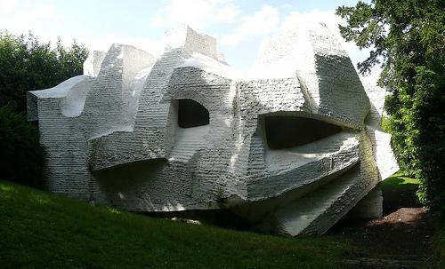 http://designart.cowblog.fr/images/3568501494andreblocsculpturehabitaclen21964meudonfrance-copie-1.jpg